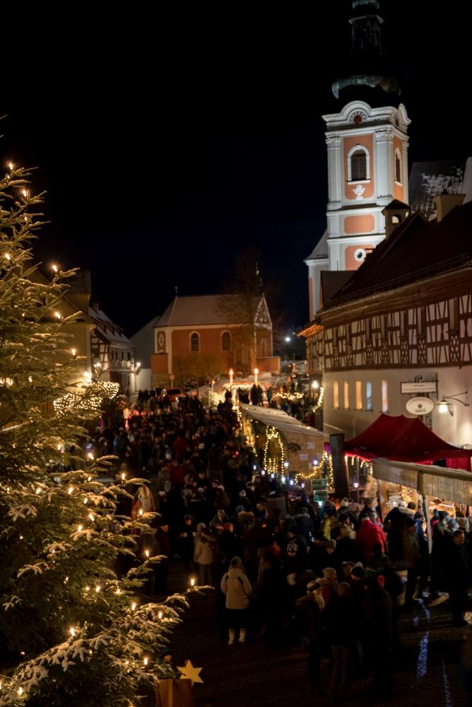 Weihnachtsmarkt in Neualbenreuth (40)