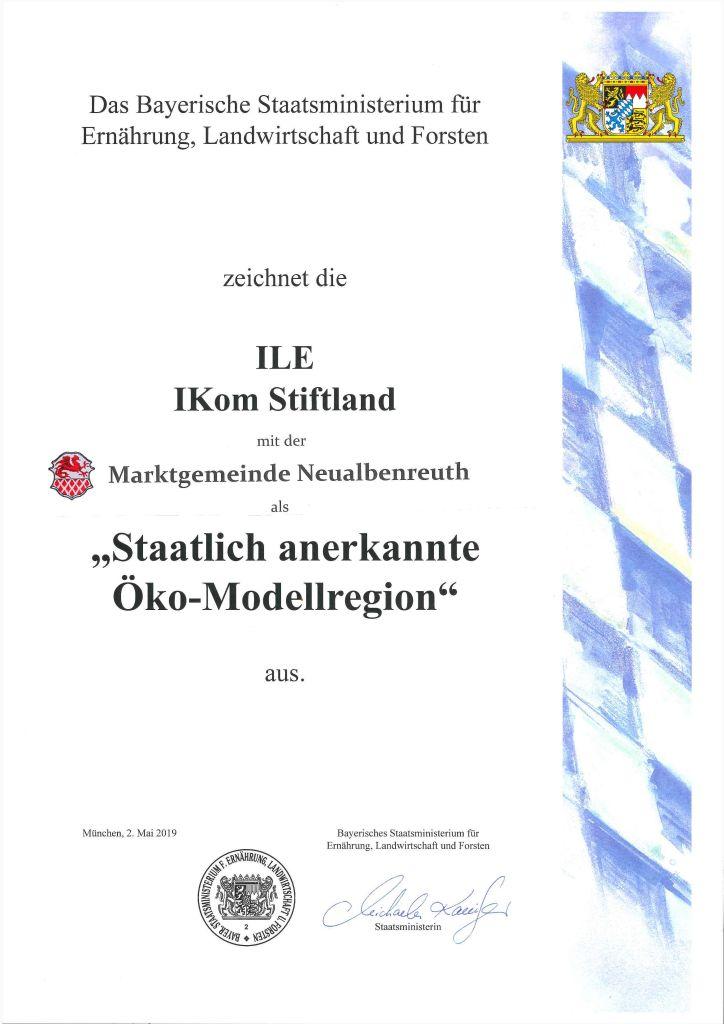 Urkunde Staatliche Oekomodellregion mit Markt Neualbenreuth
